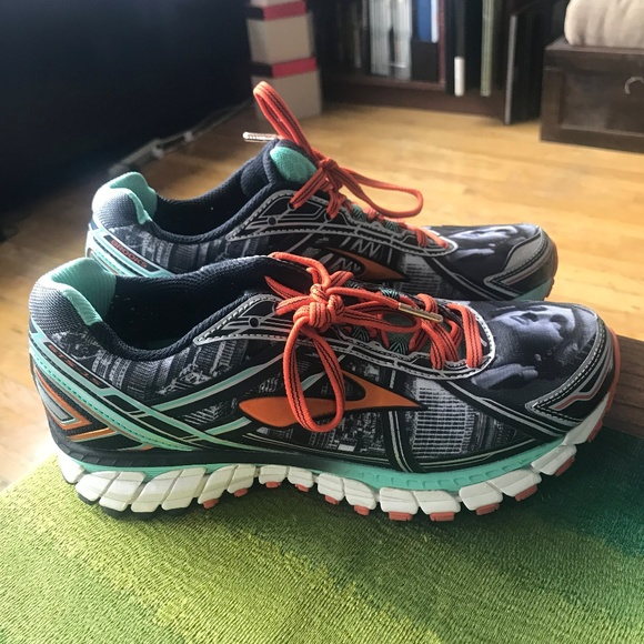 22bae47f563 Brooks Freedom Adrenaline GTS 15 NYC Marathon Shoe